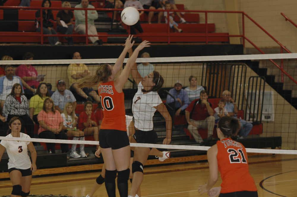 Blog: SCAA Volleyball continues (9/18/08)   Dexter Statesman